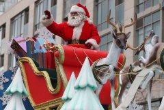 113th Santa Claus Parade draws thousands in Toronto