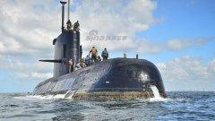 """阿根廷总统马克里与""""圣胡安号""""失联潜艇船员"""