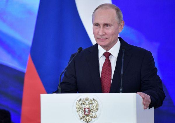 外媒:普京宣布参加2018年总统选举 被认为将轻松获胜_《参考消息》官方网站