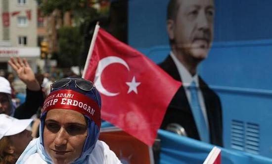 土耳其总统选举期间,有选民投票支持普京。(资料图)