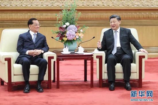 7月13日,中共中央总书记习近平在北京人民大会堂会见中国国民党前主席连战率领的台湾各界人士参访团。
