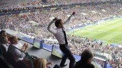 法国队勇夺世界杯 马克龙