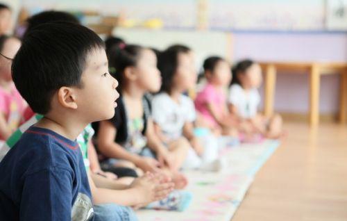 """教育部治理幼儿园""""小学化"""":幼儿园禁教拼音"""
