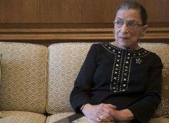 美国85岁自由派大法官摔折肋骨送医 特朗普曾望其早日退休