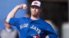 Blue Jays, reliever Axford agree to deal