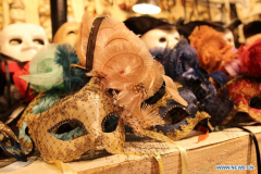 Venice Carnival masks attract lots of visitors