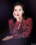 刘诗诗分享红唇妆容春日