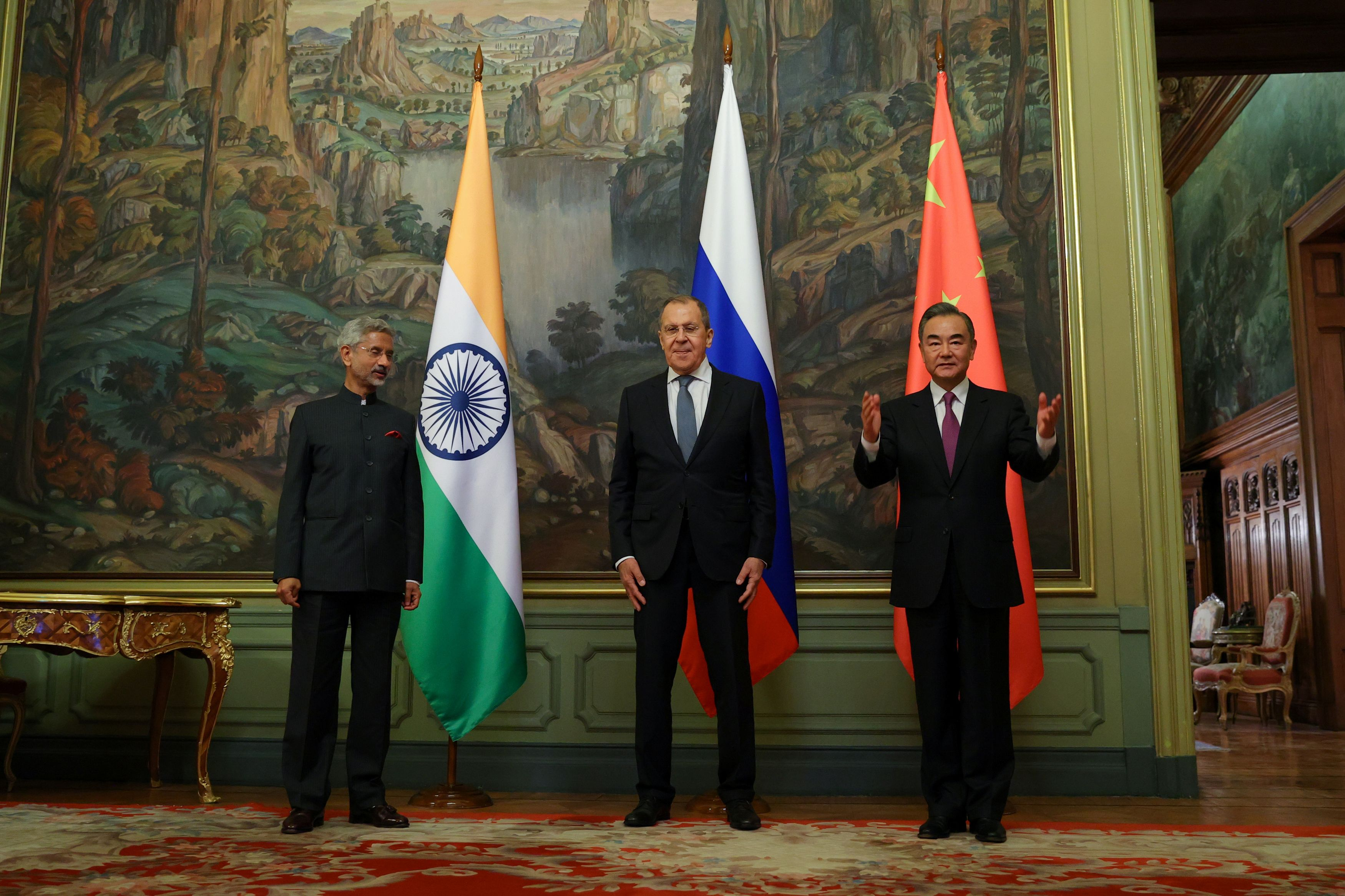 Wang Yi talks India, U.S. interference, economy and data security in Russia