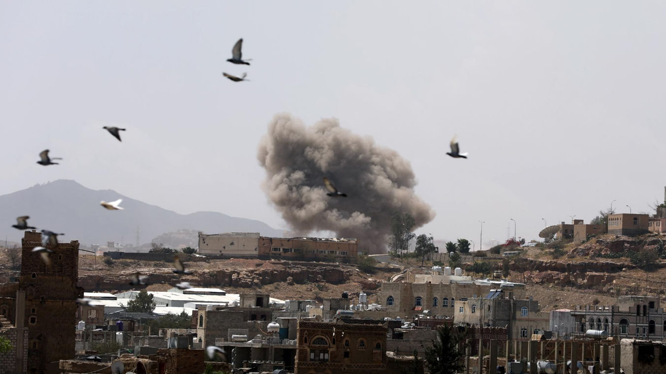 Saudi-led coalition launches attack on Houthi targets in Sanaa