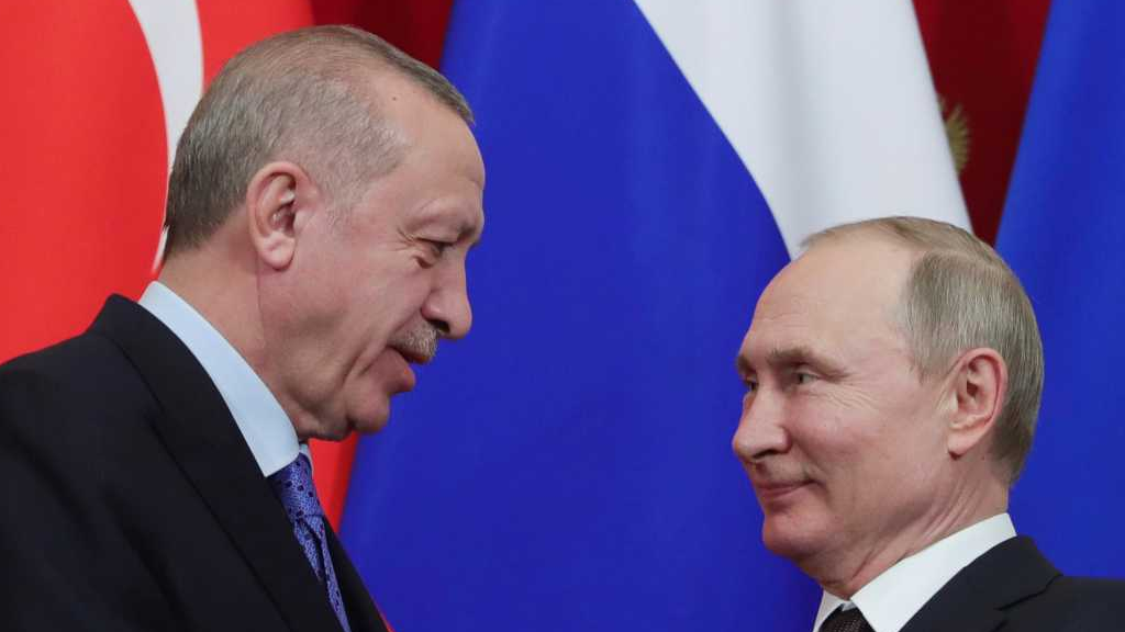 Russia restricts flights to Turkey amid surging COVID-19 cases and political tensions