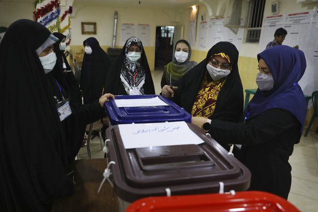 Iranians Vote in Presidential Election Marked by Low Turnout