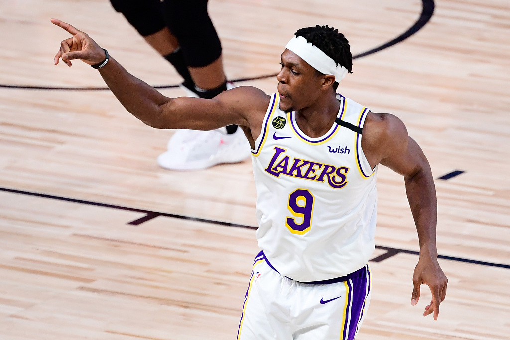 How will 'old' Lakers perform in new NBA season?