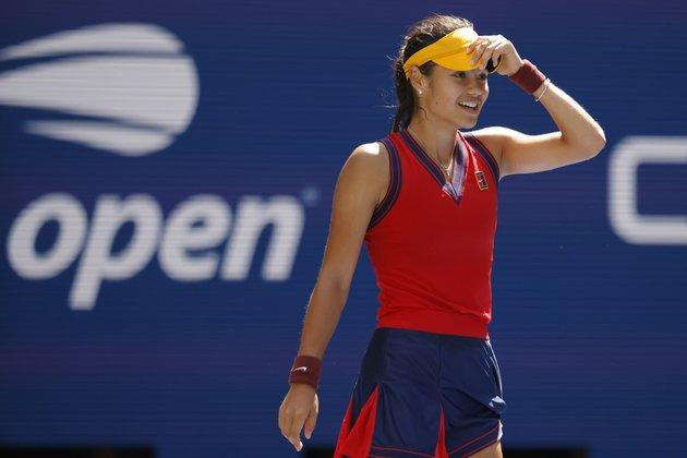 Qualifier Emma Raducanu advances to U.S. Open semifinals