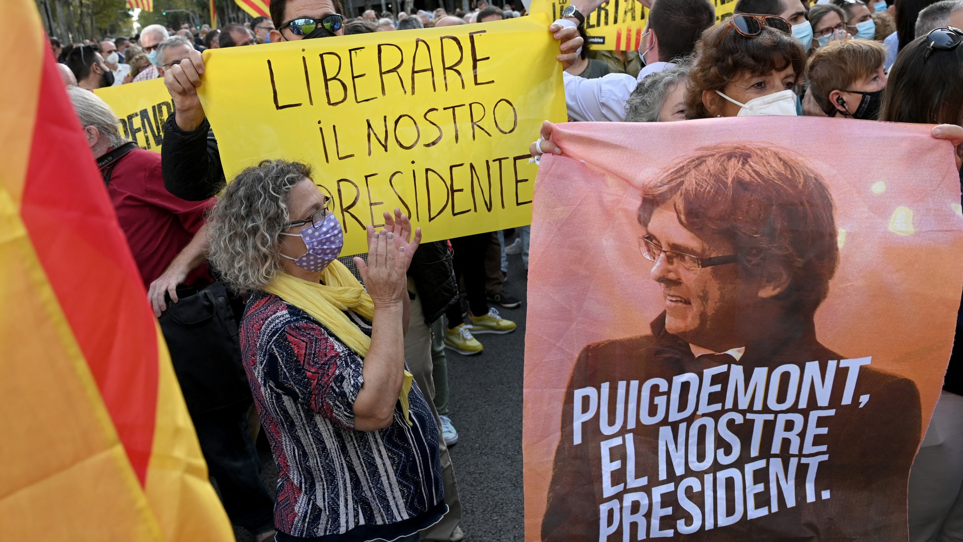 Protests outside Italian embassy in Barcelona after Puigdemont arrest